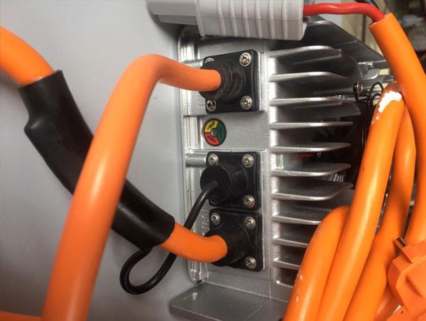 Hệ thống sạc điện thông minh của xe điện chở hàng hóa LVTONG