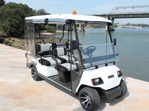 Xe điện sân golf LT-A627 hình dáng như một chiếc ô tô con