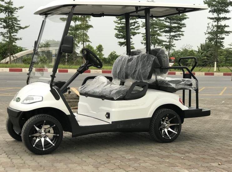 xe điện sân golf LT-A627.2+2G với 4 chỗ ngồi tựa vào nhau