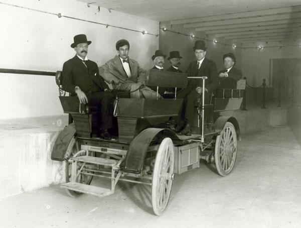 Sự xuất hiện lần đầu tiên của xe điện