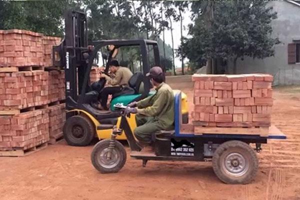 Xe điện chở gạch 3 bánh
