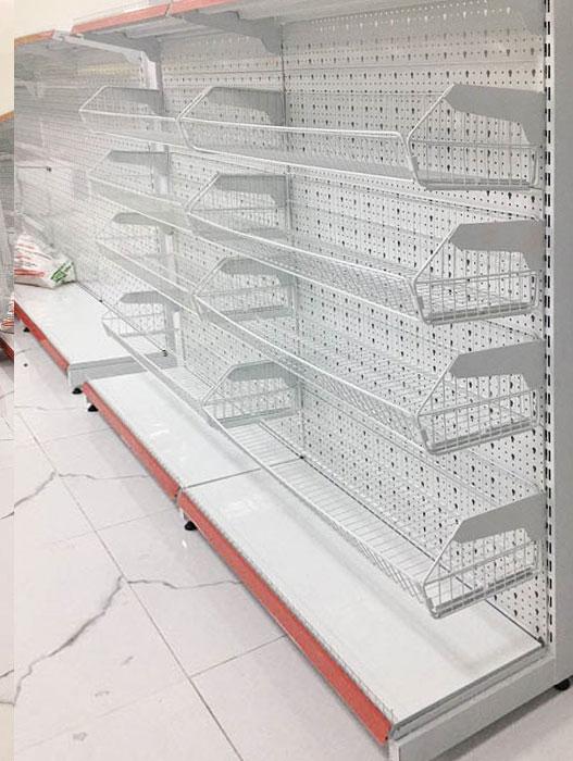 Kệ áp tường siêu thị giỏ mỳ